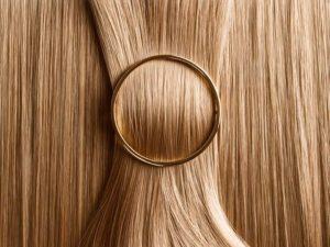 8 trucchetti per avere capelli super lucidi