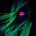 Pazzie per Halloween: i capelli che brillano al buio!