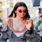 Lo strano (e geniale) uso che Kendall Jenner fa delle eye mask