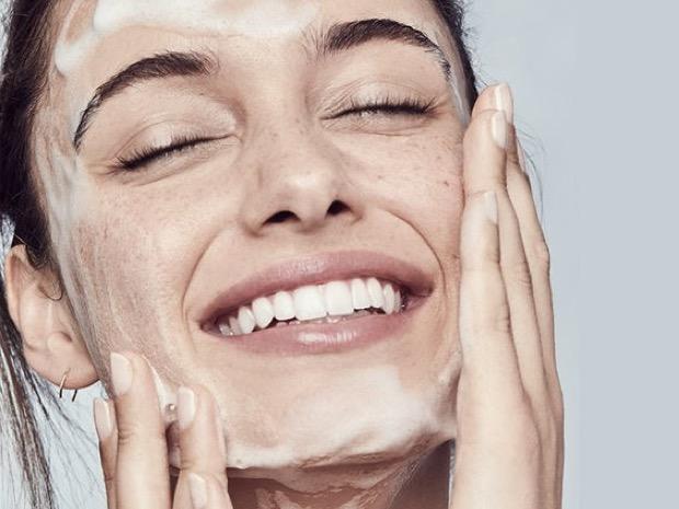 come lavare viso