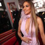 J.Lo, Adele e tutti i look più belli (e imitabili) visti ai Grammy