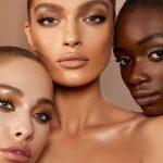Come mettere il fondotinta effetto seconda pelle