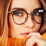 Strategie anti brufoli se usi gli occhiali