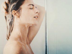 quanto lavarsi i capelli
