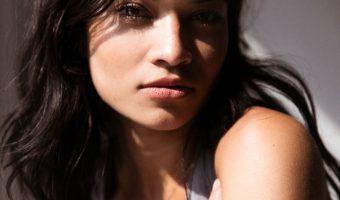 Come enfatizzare i riflessi dei capelli scuri