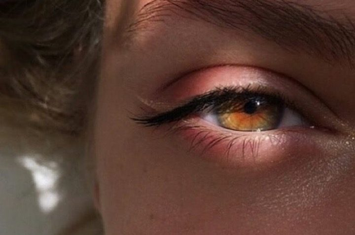 Occhi nocciola: come farli sembrare più verdi