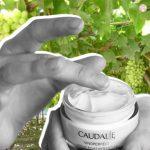 Illuminati con la nuova crema Vinoperfect Caudalie
