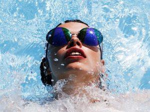 lenti a contatto piscina